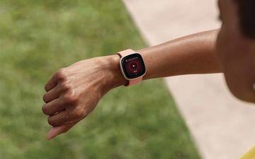 Nên mua đồng hồ thông minh smartwatch nào hiện nay năm 2021