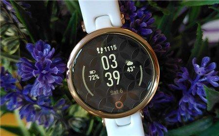 So sánh 2 mẫu smartwatch Garmin Lily và Garmin Venu