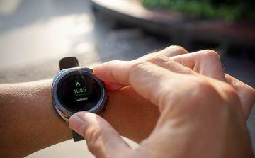 Hướng dẫn theo dõi sức khỏe qua đồng hồ thông minh