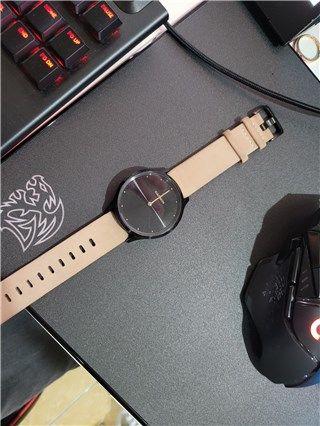 Garmin Vivomove HR - Onyx Black with Tan Suede 99%